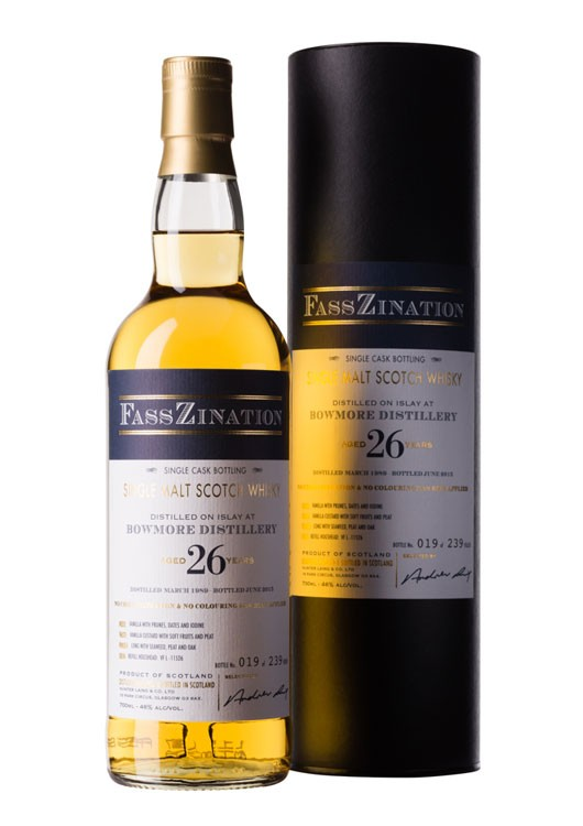 Islay Single Malt Scotch Whisky, 26 Jahre, distilled at Bowmore Distillery