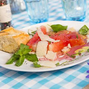 Gegrillte Wassermelone mit Pfeffer-Peccorino